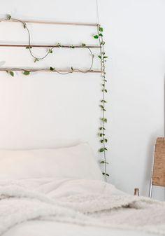 100 Unbelievably Cheap DIY Home Decor Crafts Cheap Diy Home Decor, Room Interior, Interior Design Living Room, Interior Decorating, Bedroom Themes, Bedroom Decor, Bedrooms, Nature Inspired Bedroom, Living Colors