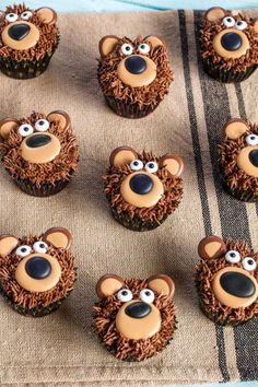 Bear Cupcakes: These adorable bears are a chocolate lover's delight. Click through to find more easy spring cupcake ideas.