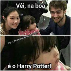 Essa seria eu ao ver o Daniel haha😍💕 Harry Potter Drawings, Harry Potter Tumblr, Harry Potter Love, Harry Potter Universal, Harry Potter Memes, Harry Potter World, Wtf Funny, Funny Memes, Hogwarts