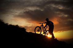 Bike-Tour am Abend in Saalbach mit atemberaubenden Sonnenuntergang https://www.hotel-talblick.at/mountainbike/all-mountain-biking.html
