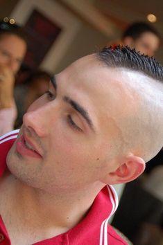 Feel the stubble Undercut Mohawk, Mohawk Hairstyles Men, Haircuts For Men, Men's Haircuts, Short Hair Cuts, Short Hair Styles, Shaving Your Head, Fresh Hair, Bald Heads