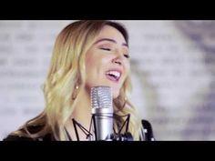 Julia Michaels – Issues (Acoustic) - Live on V Hits Australia - YouTube - Yeah, I got issues / And one of them i show bad I need you – Sì, io ho sfoghi / E uno di essi è che ho tantissimo bisogno di te