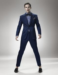 Bow ties for men and boys. Nicholas Hoult modeling Tom Ford suit and bow ties for men as well as luxury designer sunglasses and eyeglasses. Warm Bodies, Nicholas Hoult, Lily Collins, Mad Max, Jennifer Lawrence, X Men, Tom Ford Suit, Navy Blue Suit, Blue Suits