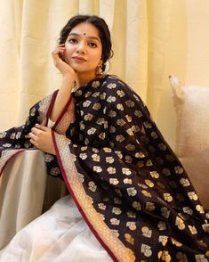 Suit Fashion, Daily Fashion, Fashion Outfits, Casual Indian Fashion, Wedding Guest Looks, Indian Wedding Outfits, Wedding Dresses, Desi Wear, Ethnic Looks