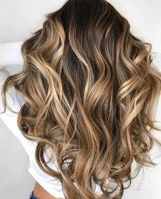 60 Looks with Caramel Highlights on Brown and Dark Brown Hair Blonde Balayage for Black Hair Blonde Balayage Highlights, Brown Hair Balayage, Brown Blonde Hair, Brown Hair With Highlights, Balayage Brunette, Hair Color Balayage, Brunette Hair, Ombre Hair, Black Hair