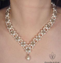 Pearl-n-crystal in gray N928 by Fleur-de-Irk