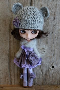Lavender and grey ~ i recognise this doll (Peri)! My Sister pinned her last week and i couldn't remember where i'd seen her before (or, more importantly, her lovely clothes!) and now i know! Clothes by Abi Monroe