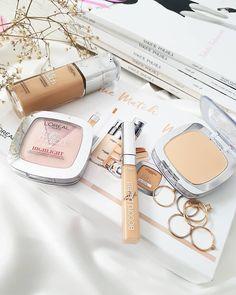 Czy zdarzyło się Wam mieć źle dobrany podkład? Mi kiedyś owszem, bo kiedy w gamie kolorystycznej produktu jest tylko 5 odcieni to idealne… Blush, Make Up, Beauty, Instagram, Rouge, Makeup, Beauty Makeup, Beauty Illustration, Bronzer Makeup