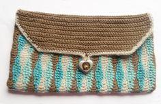 Wavy crochet purse
