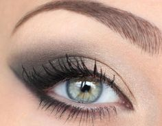 Eastern makeup for green eyes: everyday smoky makeup for green eyes