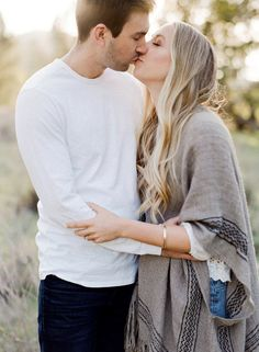Hilltop Santa Ynez Engagement Session – Style Me Pretty