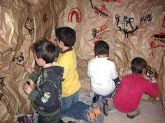 Los alumnos y alumnas de 2º de Primaria del CEIP Azorín realizaron, la semana pasada, un proyecto sobre la Prehistoria. Para conocer un poco más este periodo histórico, los escolares fabricaron cuevas en sus clases y realizaron toda serie d...