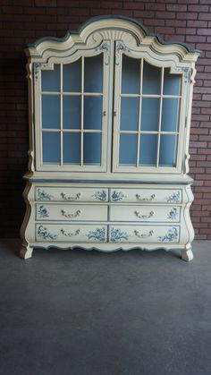 Drexel -  Country French Style Hutch / China Cabinet on Etsy, $2,195.00