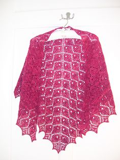 Ravelry: Paradiesvogel/Tuch pattern by Sue Berg