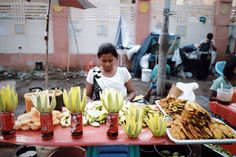 Tleyada ♡ - Street food at Yangon river