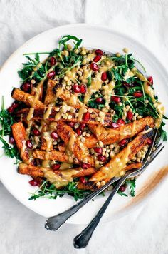 Spicy Roasted Carrots with Tahini Lentil Salad This easy roasted carrot salad is mixed with lentils, greens, & topped with a creamy dairy-free tahini dressing for an easy weeknight dinner great all year. Carrot Recipes, Spicy Recipes, Cooking Recipes, Lentil Salad Recipes, Vegan Recipes, Recipes With Tahini Vegan, Carrot Ideas, Winter Salad Recipes, Tahini Recipe