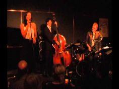 Nicola Milan sings her song 'Take Your Chances' at the Ellington Jazz Club, Perth Western Australia. www.nicolamilan.com #jazz #jazzsinger