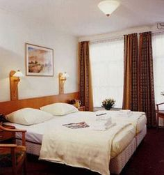 Hostel uptown in Amsterdam. Take a look at this hotel if you have a small budget, find out if there are still any available rooms. Budget Hotels, Hostel, Amsterdam, Budgeting, Europe, Bed, Room, Furniture, Home Decor