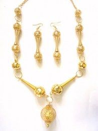 Necklace Set That Brings Elegance & Delicacy To Your Attire
