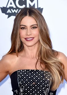 Sofia Vergara loose effortless waves at the Academy of Country Music Awards