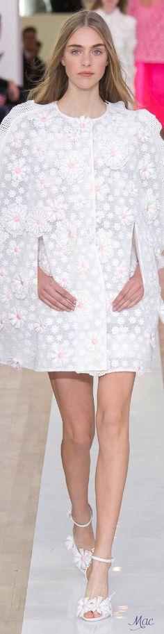 Spring 2016 Ready-to-Wear Emanuel Ungaro