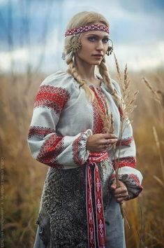 Russian Beauty, Russian Fashion, Folk Costume, Costumes, Chica Cool, Ethno Style, Fantasy Photography, Wow Art, Christian Clothing