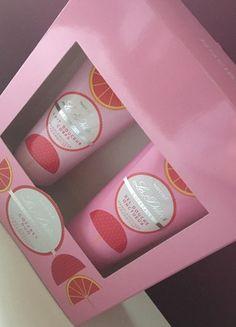 À vendre sur #vintedfrance ! http://www.vinted.fr/beaute-femmes/soin-corps-cosmetiques/56243040-coffret-duo-pamplemousse-framboise