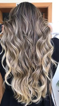 Brunette Hair Color With Highlights, Blonde Balayage Highlights, Balayage Hair, Long Wavy Hair, Braids For Long Hair, Dyed Hair, Cool Hairstyles, Hair Cuts, Hair Beauty