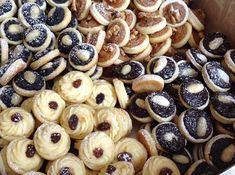Svatební koláčky Slovak Recipes, Czech Recipes, Hungarian Recipes, Baking Recipes, Cookie Recipes, Dessert Recipes, Sweet Bar, Easy No Bake Desserts, Polish Recipes