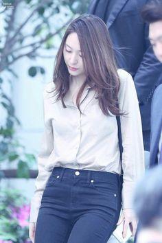 f(x) krystal Krystal Fx, Jessica & Krystal, Jessica Jung, Japan Fashion, Kpop Fashion, Fashion Outfits, Airport Fashion, Krystal Jung Fashion, Office Outfits Women