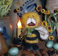 "Primitive Mohair Bumble Bee 5"" Flower Bug Doll ★ Vtg Patti's Ratties Bear OOAK"