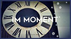 ...weil IMMER der Moment ist für Annehmen und Neuanfangen... ein kleiner Kommunikations-Hack mit grosser Wirkung - dynamische Kommunikation Nest Thermostat, Clock, In This Moment, Mini, Wall, Starting Over, Communication, Watch, Clocks