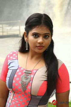 Beautiful Indian Brides, Beautiful Girl In India, Beautiful Girl Body, Beautiful Blonde Girl, Most Beautiful Indian Actress, Beautiful Roses, Beautiful Actresses, Indian Natural Beauty, Desi Girl Image