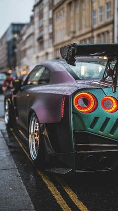 The best luxury cars. Luxury sports cars are created to go fast. A flat and nice body design makes it even cooler. Luxury Sports Cars, Top Luxury Cars, New Sports Cars, Sport Cars, Nissan Gt R, Nissan Lead, Audi R8 Schwarz, Bmw 635csi, Wallpaper Carros