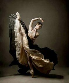 <<Jurgita Dronina (The National Ballet of Canada)>>