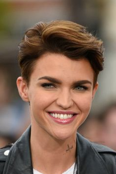 16 Short Hairstyles for Thick Hair - Haircuts for Short, Thick ...