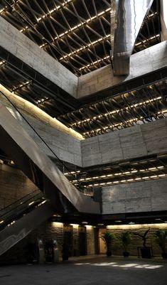 150627_WangShu_Ningbo_CityHistoryMuseum_Int01S
