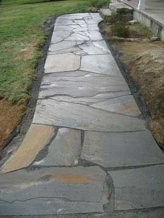 irregular bluestone walkway - large pieces   H&R walkway ...
