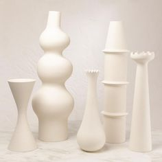 Classic White, Modern Classic, Mango Wood Dining Table, Organic Form, White Vases, Wood Sculpture, Vases Decor, Flower Vases, Decorative Accessories