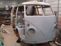 Volkswagen : Bus/Vanagon standard 1964 21 WINDOW WALK THRU BUS NEEDS RESTORATION - http://www.legendaryfind.com/carsforsale/volkswagen-busvanagon-standard-1964-21-window-walk-thru-bus-needs-restoration/