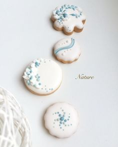 【blue & White】色味の違い #icing #icingcookie #icingcookies #royalicing #royalicingcookie #royalicingcookies #decoratecookies #decoration #decorationcookie #decorationcookies #アイシングクッキー教室 #アイシング #アイシングクッキー #Nature #ナチュールアイシングクッキー
