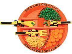Børnetallerken med sjov og børnevenligt bestik. Læs mere om produktet på bloggen frubruun.dk