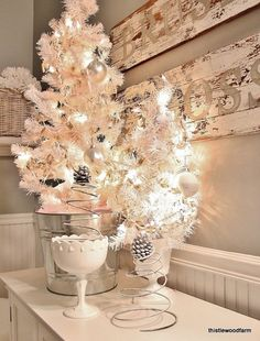 Cute Bathroom Decorating Ideas For Christmas in White