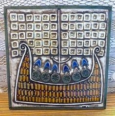 Buy Lisa Larson's vintage viking ship wall plaque at Mother Sweden. Viking Ship, Ceramic Design, Wall Plaques, Chinoiserie, Vikings, Scandinavian, Lisa, Pottery, Selena