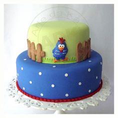 Bolo Mickey E Minnie, Mickey Mouse Cake, Bolo Monster High, Bolo Angry Birds, Bolo Chanel, Birthday Cake Writing, Cupcake Cakes, Cupcakes, Farm Cake