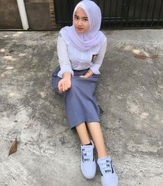 Hijab Teen, Girl Hijab, Casual Hijab Outfit, Hijab Chic, Muslim Fashion, Hijab Fashion, Beautiful Hijab Girl, School Girl Dress, Hijab Stile