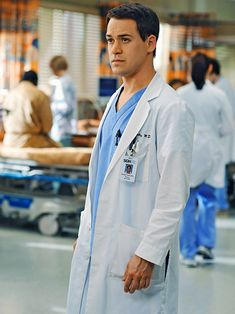 'Grey's Anatomy': How 10 Characters/Actors Exited the Show | Dr. George O'Malley (T.R. Knight) | EW.com