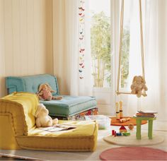 Roche Bobois | The Mah Jong sofa in a child's bedroom | Thanks to elmueble.com for the image