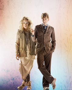 [DOCTOR WHO] Ten - The Doctor & Rose Tyler (David Tennant & Billie Piper) - The Doctor Who anniversary special, The Day of the Doctor, will premiere on BBC One on 23 November. Décimo Doctor, First Doctor, Dr Who, Youtubers, Rose And The Doctor, Bae, Billie Piper, Don't Blink, Rose Tyler