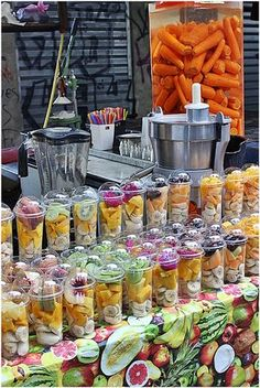 You can find delicious smoothies in the Carmel market The Carmel Market offers delicious smoothies Salad Packaging, Food Packaging Design, Comida De Halloween Ideas, Juice Bar Design, Smoothie Bar, Fruit Shop, Fruit Salad Recipes, Cooking Recipes, Healthy Recipes